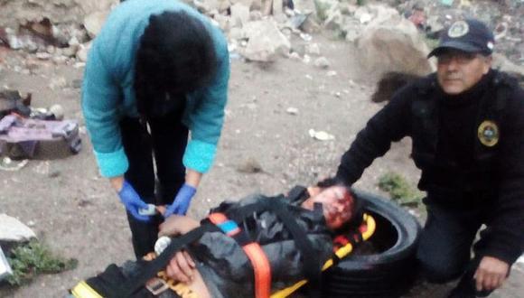Dos varones caen a torrentera producto del despiste de una motocicleta