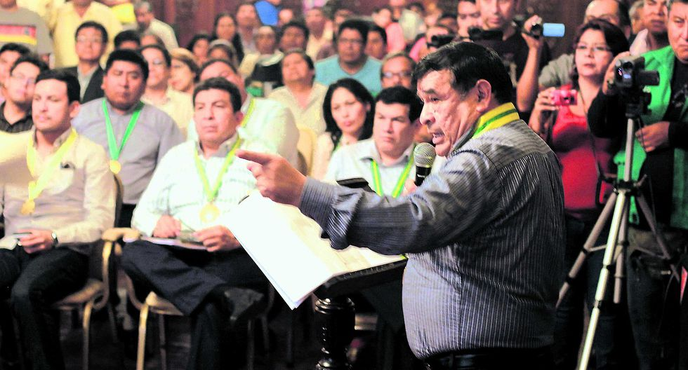 ¡Revocatoria! Alianza para recoger firmas contra Carlos Ramos
