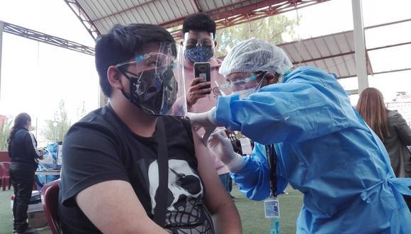 Inmunización de menores de edad ya inició en algunas regiones. El jefe de Estado recordó que en setiembre la meta es llegar a 13 millones de vacunados. (Foto: Geresa Cusco)