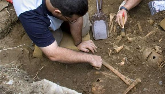 Encuentran huesos cerca de ex centro de torturas de la dictadura