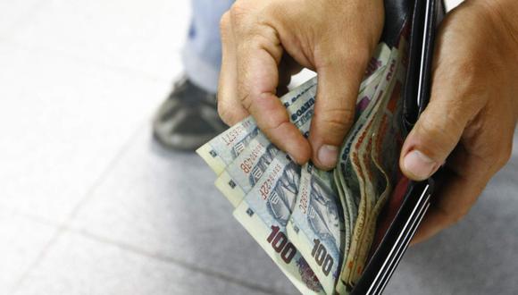 El dólar estará cerca a los S/4 y el encarecimiento de la deuda peruana puede impactar en los créditos hipotecarios, dijo Hugo Perea.   (Foto de archivo: GEC)