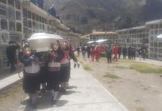 Bomberos de Huancavelica y Quichcamachos despiden a Heber Huarcaya