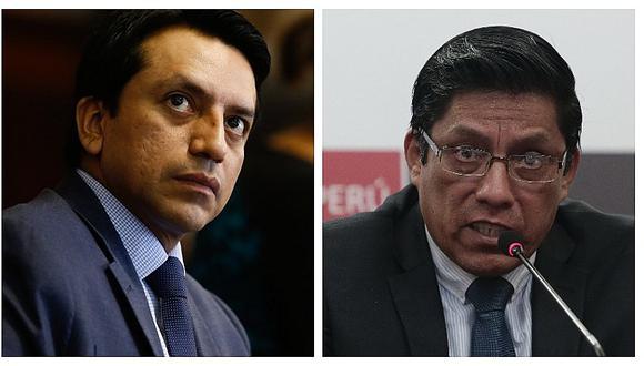 Gilbert Violeta pide la renuncia del ministro Vicente Zeballos