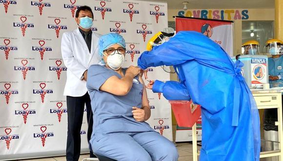 Después de 21 días que la primera recibió la primera dosis tras la llegada del lote de 300 mil vacunas contra el COVID-19, el día de hoy completaron con su proceso de inmunización. (Foto: Minsa)