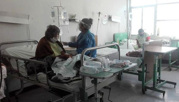 Hospital de Camaná colapsó y no hay espacio para más pacientes con coronavirus