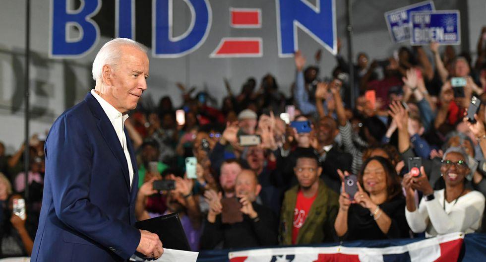 """El candidato presidencial demócrata Joe Biden llega para un mitin al Tougaloo College en Tougaloo, Mississippi, Estados Unidos. Biden aceptó su error luego de sugerir que los afroamericanos que respaldan al presidente de los Estados Unidos, Donald Trump, """"no son negros"""". (Foto: AFP/MANDEL NGAN)"""