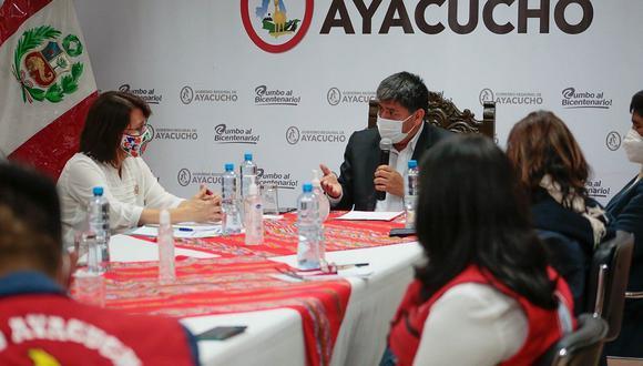 GRA y Minsa firman convenio para construcción de hospitales en Sivia y Puquio