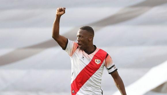 Luis Advíncula está muy cerca de ser nuevo jugador de Boca Juniors. (Foto: AFP)