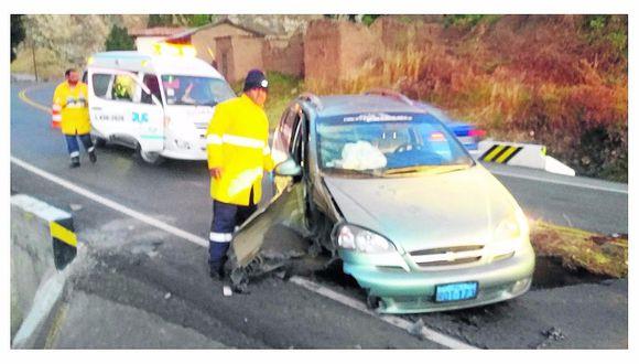 Bombero salva la vida de sus pasajeras con maniobra desesperada
