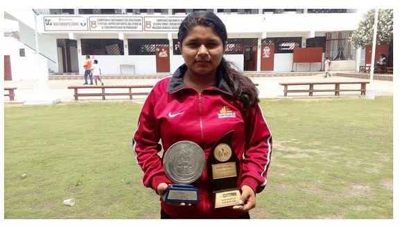 """Una alumna de Casma es premiada como la """"Mejor Deportista Escolar del Perú"""""""