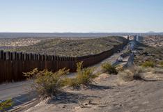 Gobernador de Texas busca reanudar construcción de muro fronterizo con México