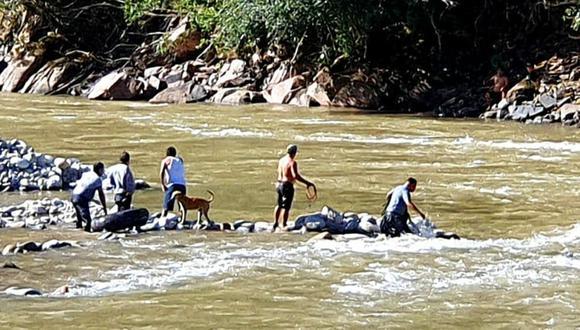 Padre muere ahogado tras lanzarse a río Chanchamayo para salvar a su hijo en Huancayo.