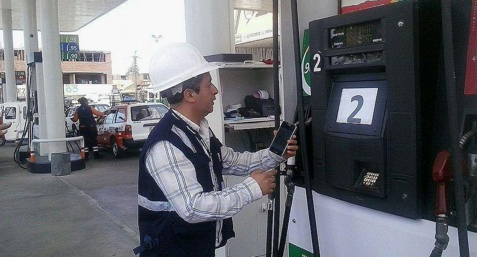 Precios de combustibles bajan por tercera semana consecutiva
