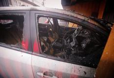 Vehículo se incendió dentro de cochera y causa daños materiales en Jesús María