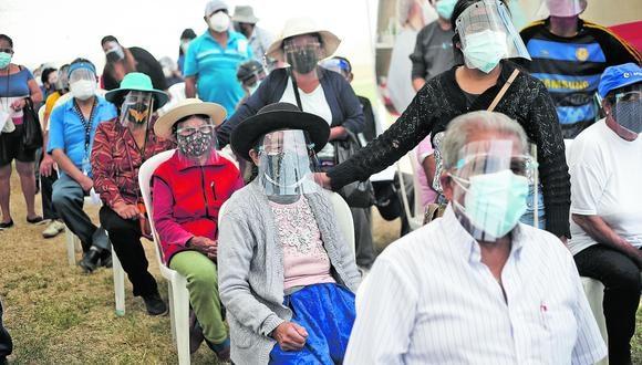 La vacunación se desarrolla en todas las regiones del país. (Foto: GEC)