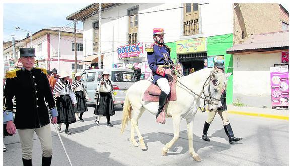 """""""Cáceres"""" marcha e invita a revivir gesta de Marcavalle y Pucará"""