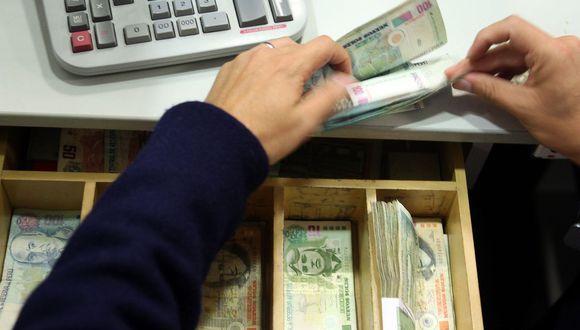 Ley de congelamiento de deudas podría traer serios problemas a las entidades financieras. (Foto: Andina)