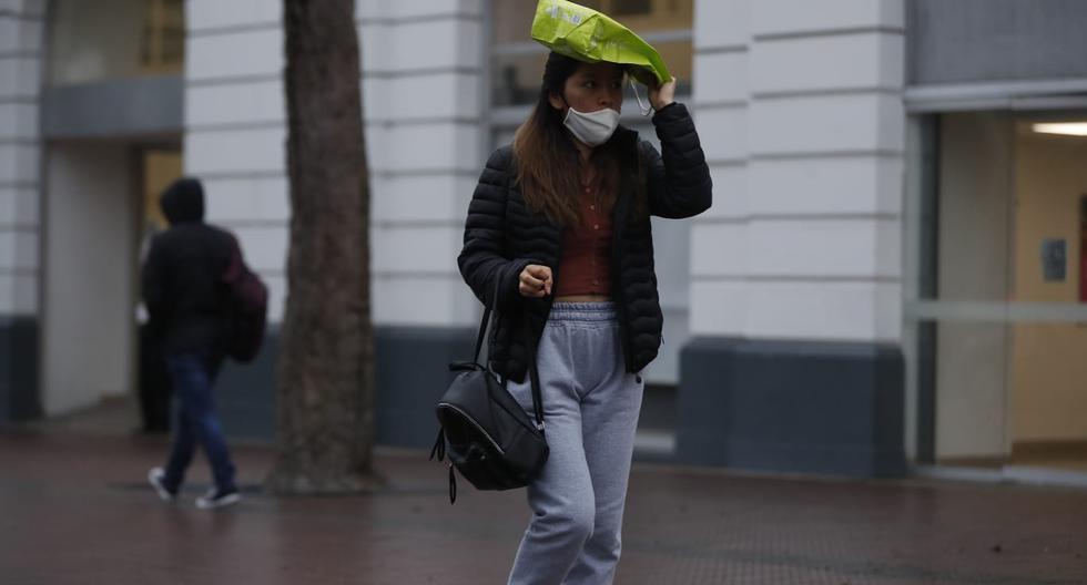 Persistente llovizna se presenta en varios distritos de Lima