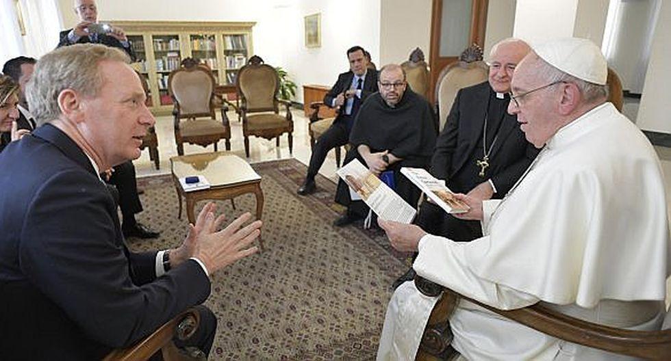 Papa Francisco habló sobre ética e inteligencia artificial con el presidente de Microsoft