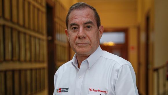 """Walter Martos invocó a los parlamentarios a trabajar de la mano con el Gobierno, ya que por la emergencia sanitaria """"hay muchísima gente que está muriendo"""". (Foto: GEC)"""