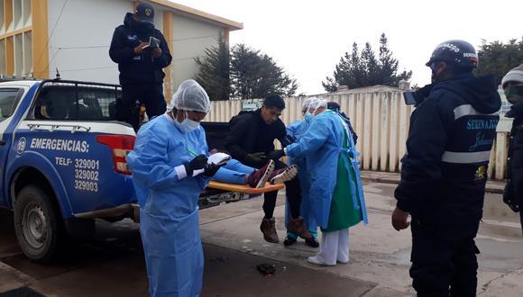 Heridos fueron trasladados hasta el servicio de emergencia del hospital Carlos Monge Medrano. (Foto: Feliciano Gutiérrez)