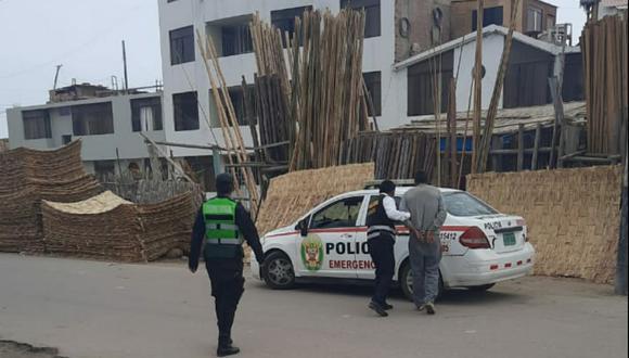 Policías intervienen a sospecho de un acto delictivo. Foto: Difusión