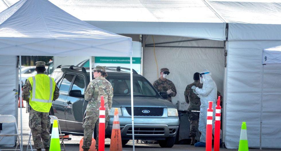 Miembros de la Guardia Nacional del Ejército fueron desplegados en el lugar de pruebas en el estacionamiento del estadio Super Bowl del Hard Rock Café en Miami, Florida. (Foto: EFE)