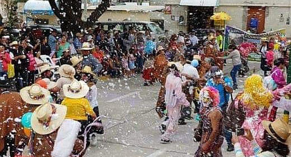 Seis comparsas distritales participan en carnaval de Quequeña