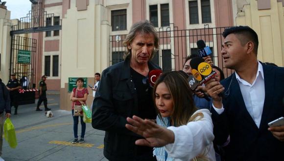 Ricardo Gareca visitó a Edwin Oviedo en la Prefectura de Lima (VIDEO)