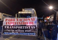 Transportistas en paro bloquean vías de acceso a Huamanga