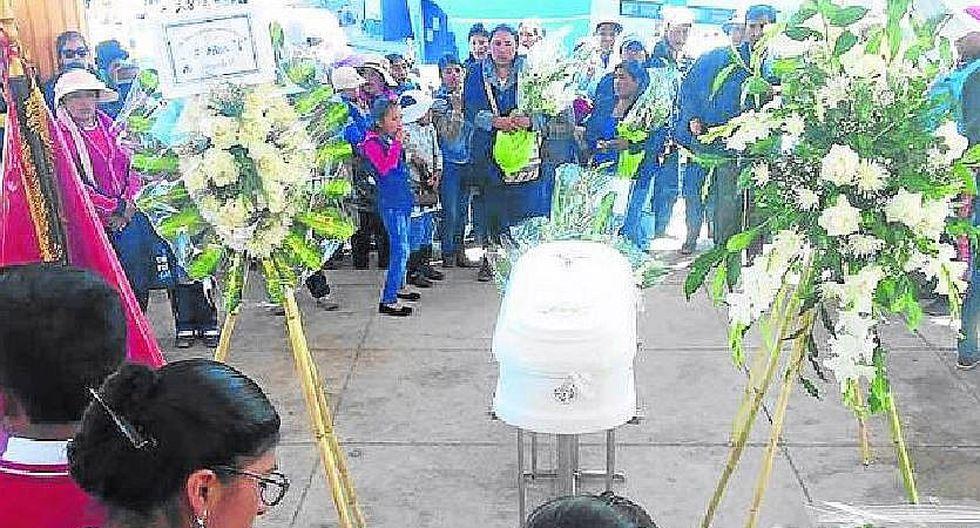 Puno: dan último adiós a escolar fallecida en accidente de tránsito en Moquegua