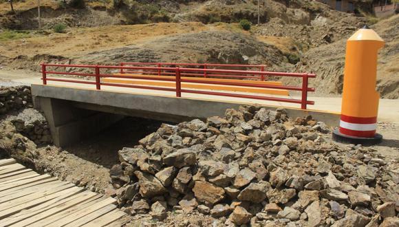 Autoridad decidió ponerle nombre del líder de Perú Libre en una zona donde la población no cuenta con saneamiento básico