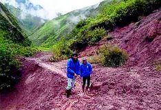 Más de 250 familias incomunicadas por huaico en Acobamba