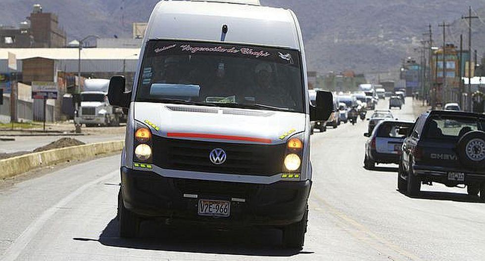 Transporte: 100 miniván  operan con permisos especiales en la región