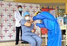Minsa inició la aplicación de la segunda dosis de la vacuna contra el COVID-19 a la primera línea