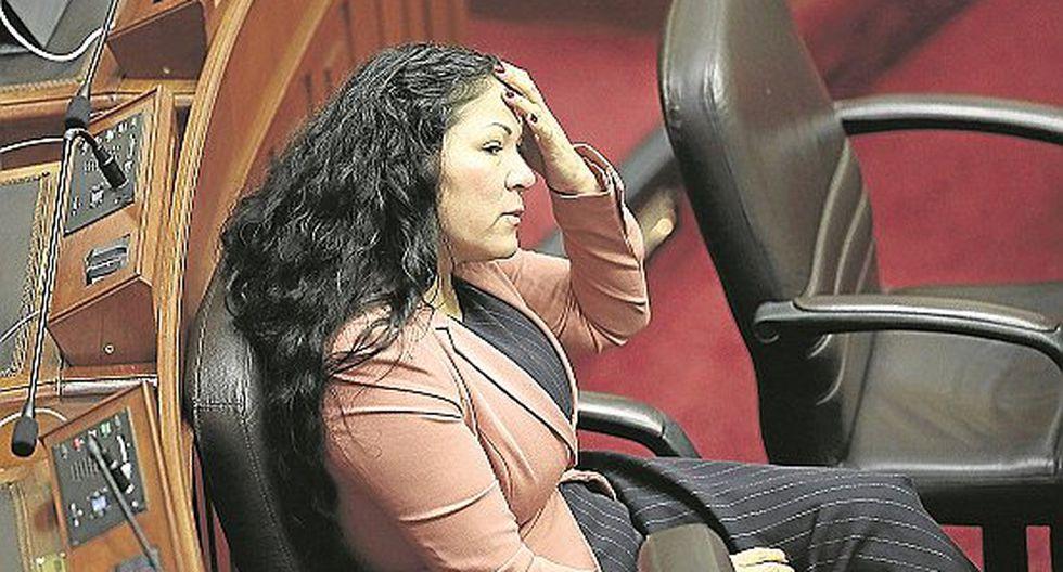 Aprueban informe que recomienda suspender por 60 días a Yesenia Ponce