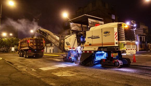 Las actividades se realizan de 10 p.m. a 5 a.m. para evitar restringir el tránsito en horas de gran fluidez vehicular. (Foto: Municipalidad de Lima)