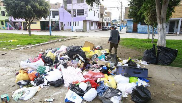 """Juan Carlos Alvarado señaló que el alcalde del Callao debió tener un """"plan B"""" luego de que el consejo decidiera que la empresa  Eslimp Callao no continuara dando el servicio de recojo de desperdicios. (Foto: Jessica Vicente/ GEC)"""