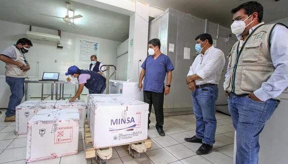 Personal de áreas críticas reciben vacunas contra el COVID-19 en Ica (GORE Ica)