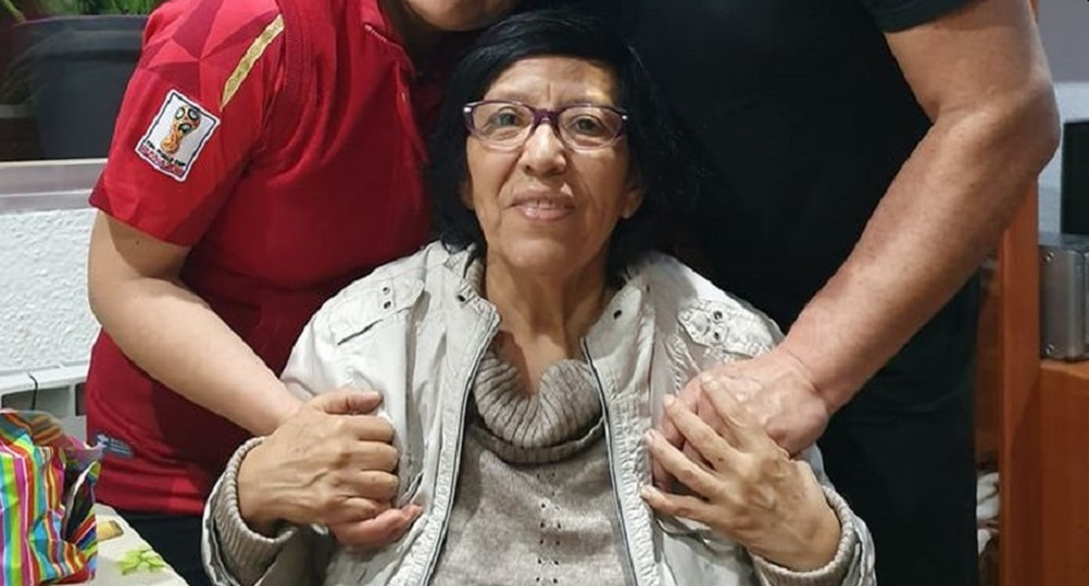 La enfermera ancashina Augusta Domínguez, de 67 años, falleció este viernes en España por Covid-19. (Foto: facebook)