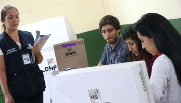 Los personeros están habilitados para impugnar votos que no se encuentren marcados de forma correcta durante el conteo de los votos. (Foto: Andina)