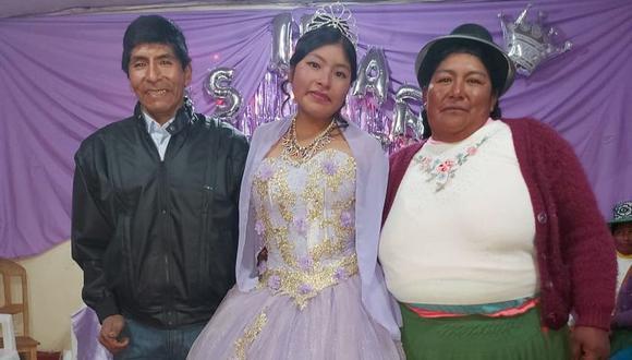 Blanquita festejó sus 15 años con sus padres Saturnino Llallacachi y Zenovia Isabel Layme. (Foto: Cortesía)