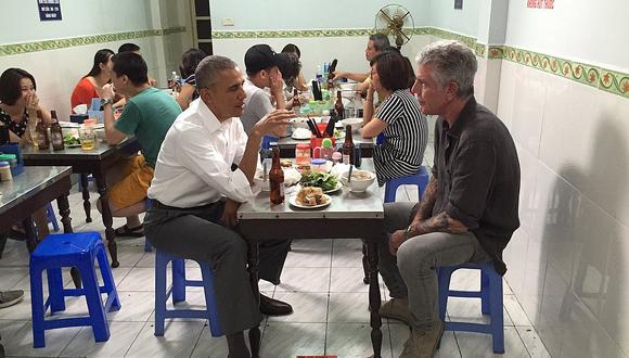 Barack Obama cenó con Anthony Bourdain en Vietnam