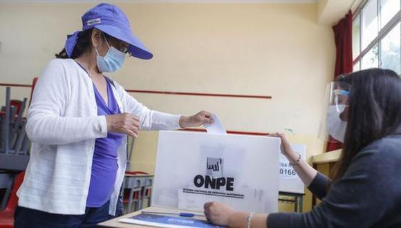 La jornada electoral en Perú del 11 de abril se desarrollará en medio de la pandemia a causa del COVID. Por tal motivo, averigua dónde te toca sufragar para que no tengas contratiempos este domingo. (Foto: Andina)