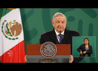 """López Obrador denuncia """"prepotencia"""" de Facebook al bloquear cuentas de Trump"""