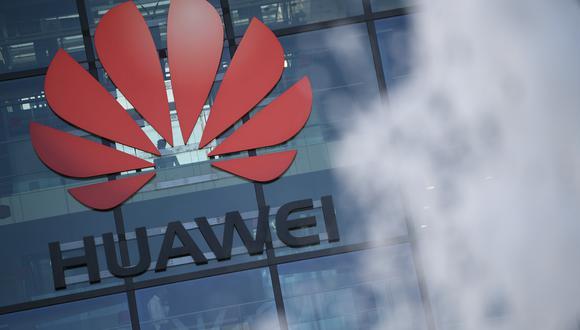 Google y Huawei, alguna vez socios, hoy compiten debido a una serie de restricciones impuestas en Estados Unidos contra varias empresa tecnológicas de origen chino. (DANIEL LEAL-OLIVAS / AFP)