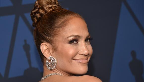 Jennifer Lopez  y mágica interpretación de 'People'  en concierto online. (Foto: AFP)