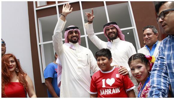 Así entregó el empresario árabe una casa al pequeño Víctor (FOTOS Y VIDEO)