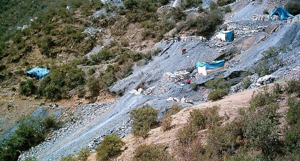 FF.AA. intervienen en Madre de Dios para controlar a mineros ilegales