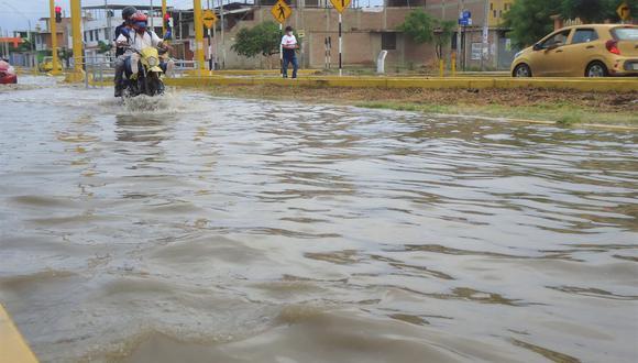 La fuerte precipitación estuvo acompañada de tormentas eléctricas y ha activado varias quebradas. (Foto: Nilo Vilela)